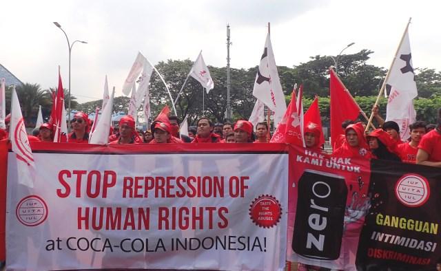 CokeDemoIndonesia08052017large