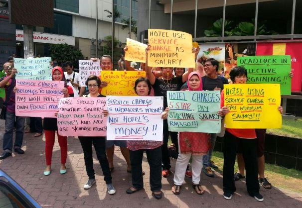 GrandMilleniumprotest