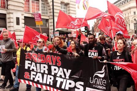 UK TGI Friday's workers strike for fair pay | IUF UITA IUL